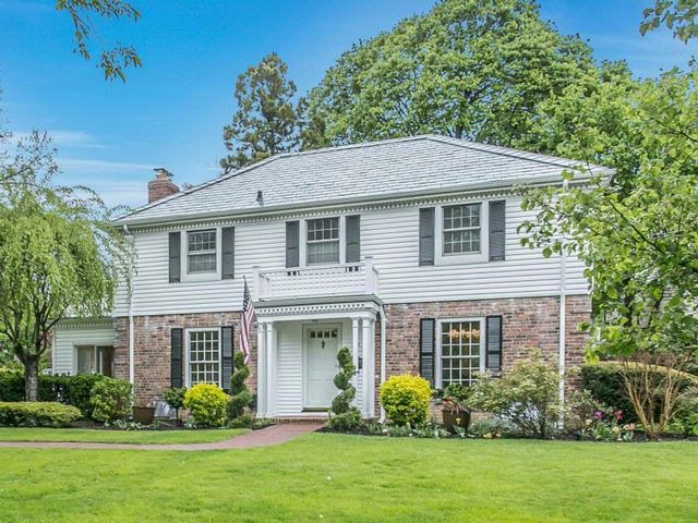 5 BR,  3.00 BTH  Colonial style home in Great Neck